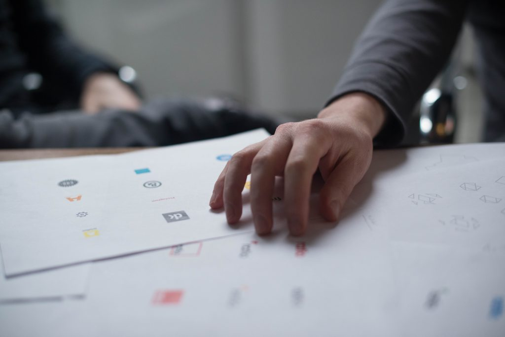 Logo Design: How to make your corporate logo look stunning 3